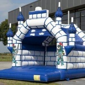 springkussen-blauw-kasteel-444x308